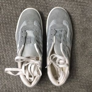 Shoes - Suede sneakers
